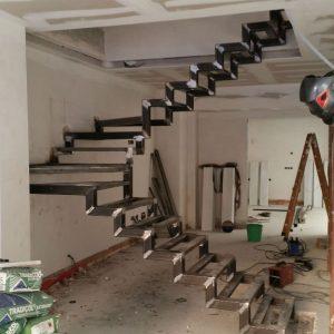 construccion-escalera-estructura-metal