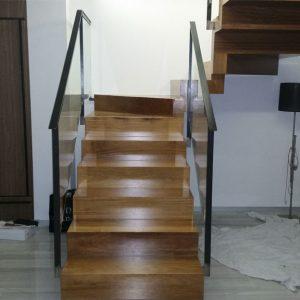 escaleras-madera-cristal-aluminio